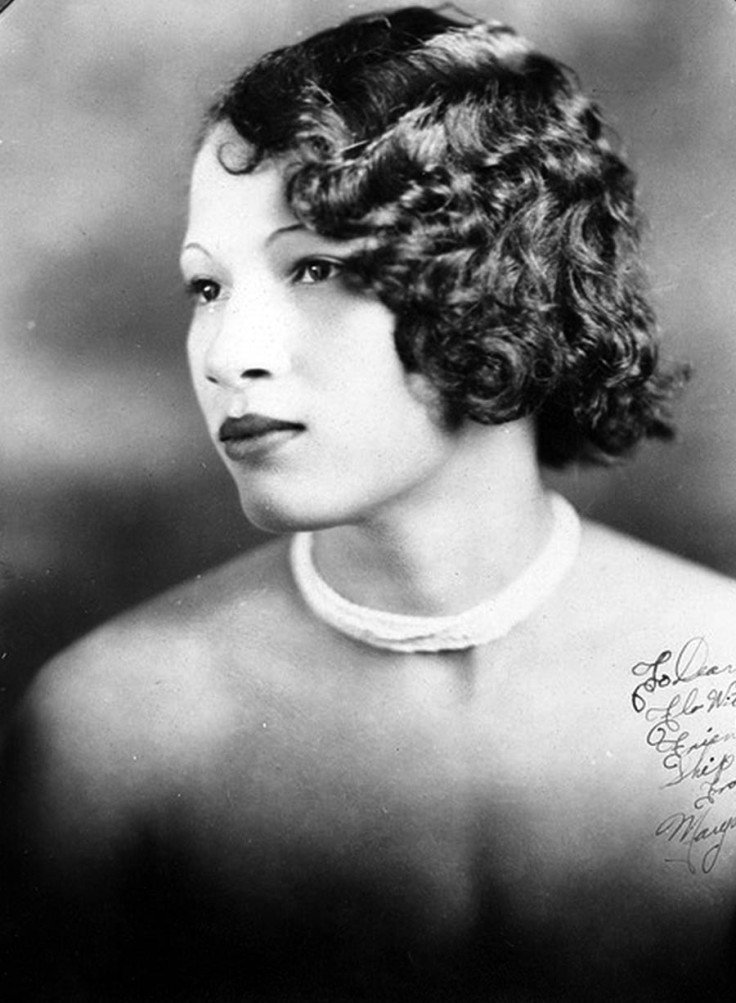 Free Fabulous Vintage Pictures Of Women's Hairstyles And Make Wallpaper