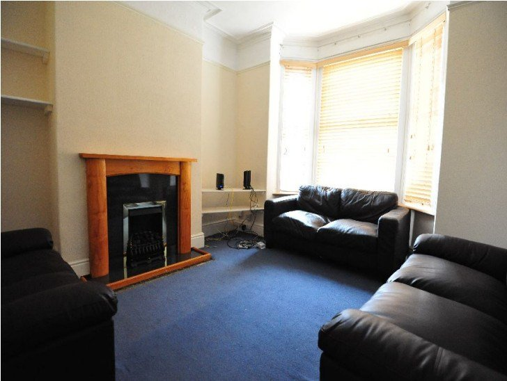 Best 1 Bedroom To Rent In A Spacious 4 Bedroom House In With Pictures
