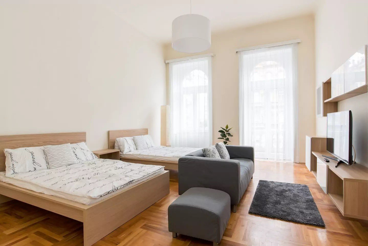 Best Spacious 3 Bedroom 2 Bathroom Apartment For 6 8 People In Central Budapest Flat Rent Budapest With Pictures