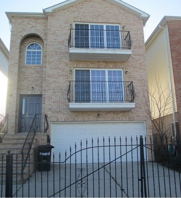 Best 14 Seabury Ct 1 Newark Nj 07104 3 Bedroom Apartment For With Pictures