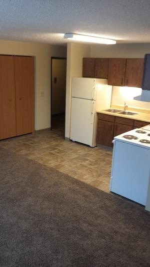 Best 2 Bedroom 1 Bath Apartment 500 00 Offering 1 Or 2 With Pictures