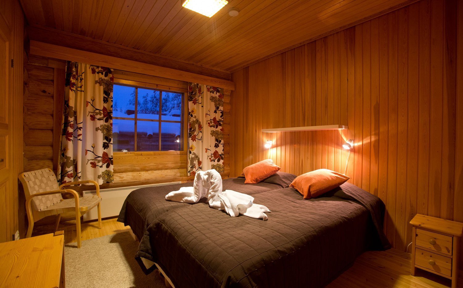 Best Santa S Lapland Log Cabin Holidays 4 Bedroom Christmas With Pictures