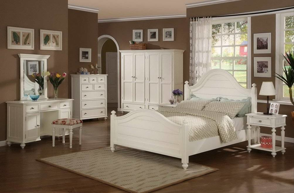 Best Contemporary Solid Wood Bedroom Furniture Ideas — All With Pictures
