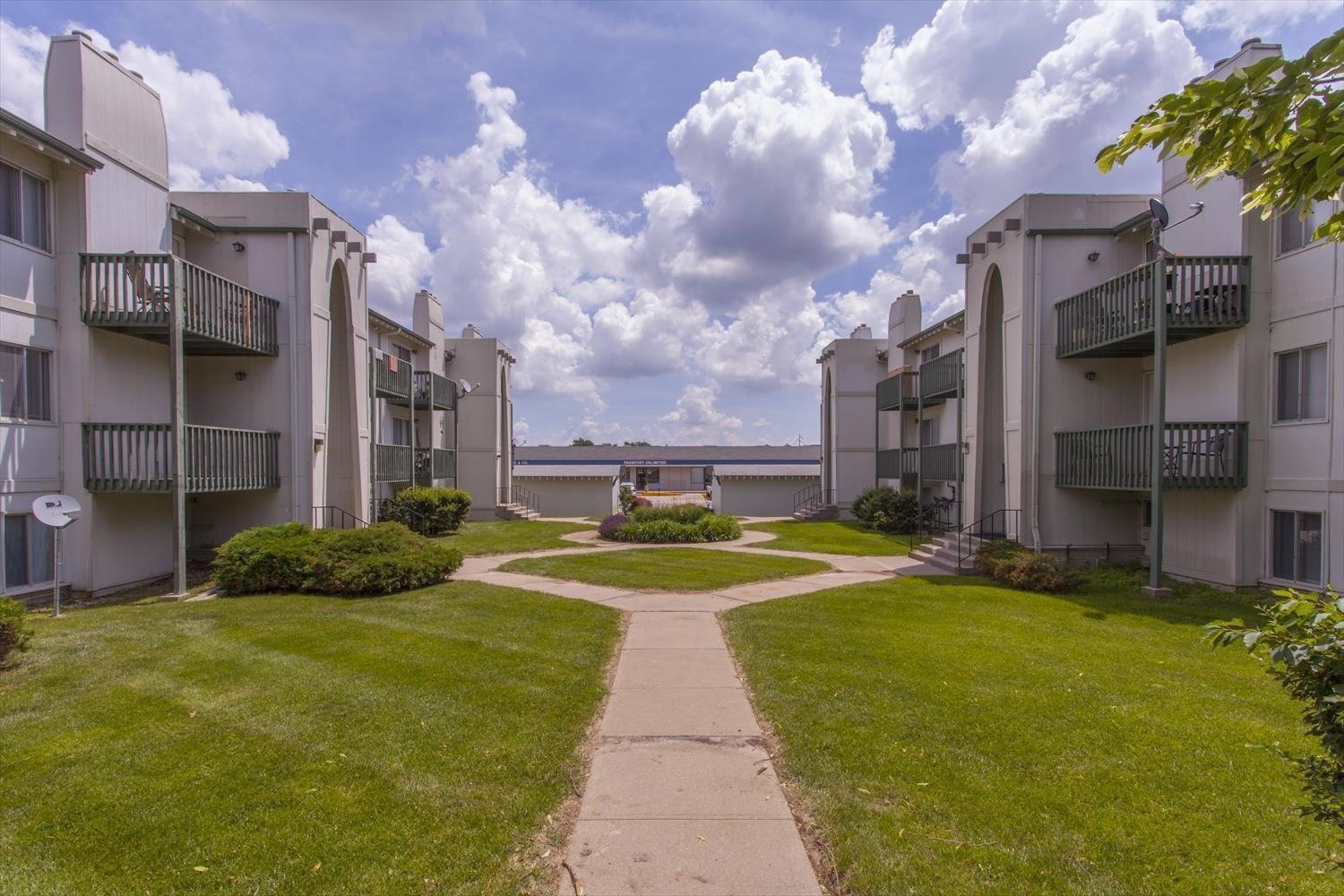 Best Camelot Village Studio 3 Bedroom Apartments In Omaha Ne With Pictures