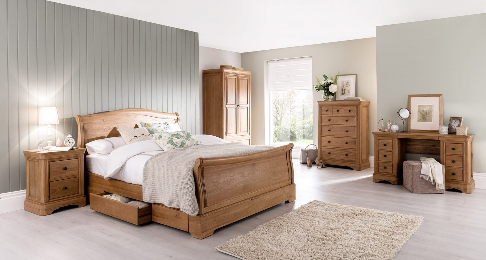Best Bedroom Holdens Furniture With Pictures