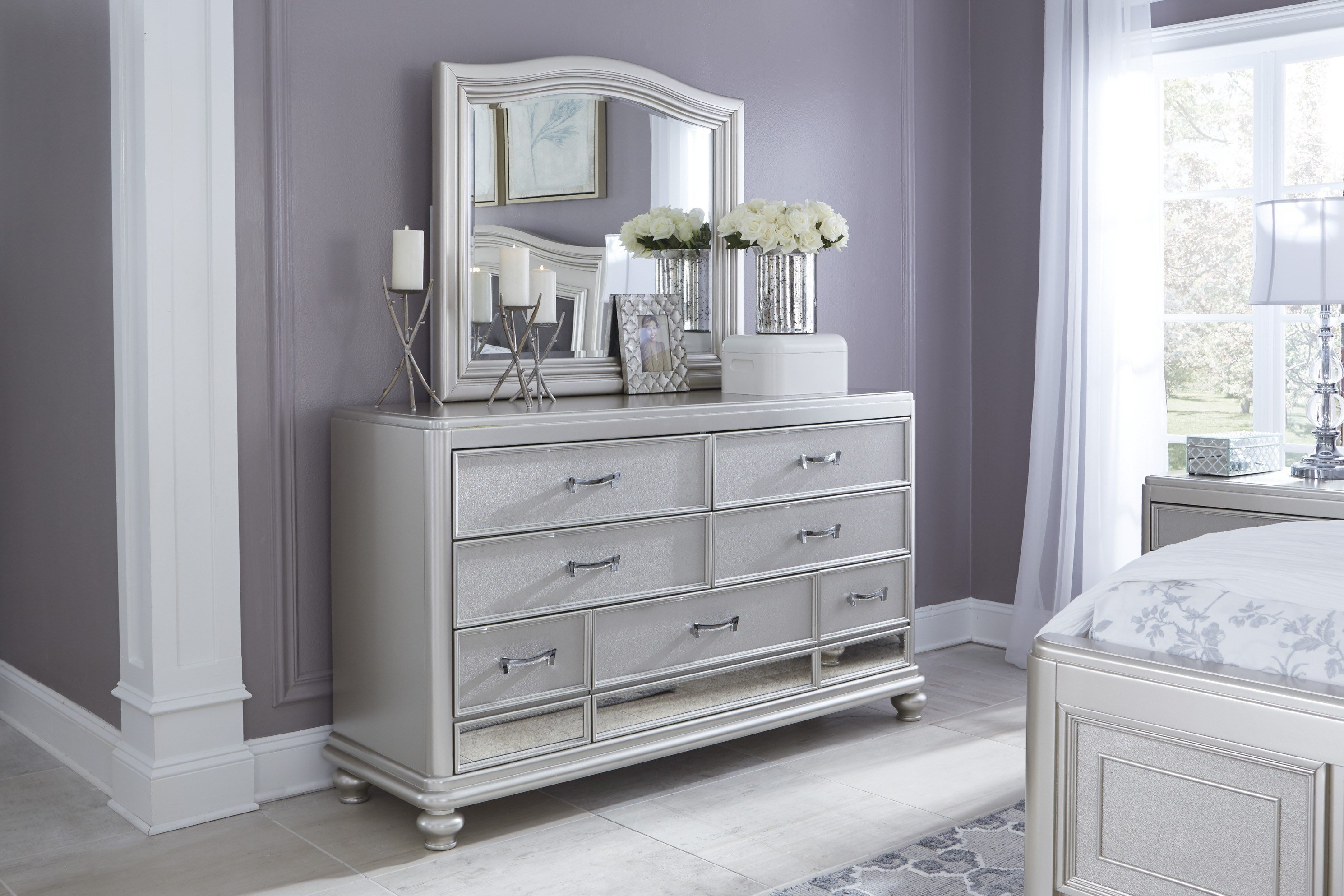 Best Coralayne Silver B650 4 Pc King Bedroom Set With Pictures