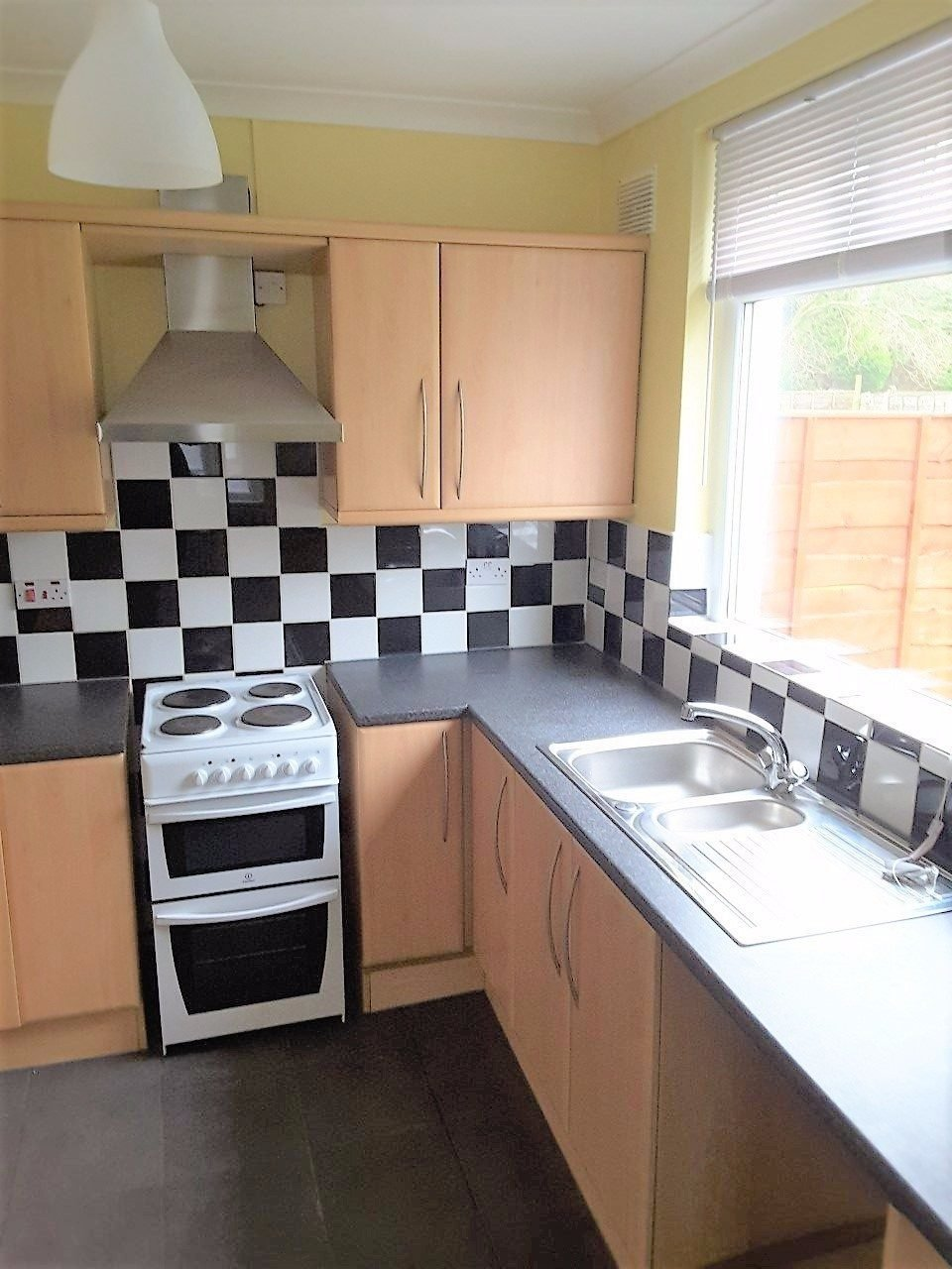 Best 2 Bedroom Semi Detached House To Rent In Brandlesholme With Pictures