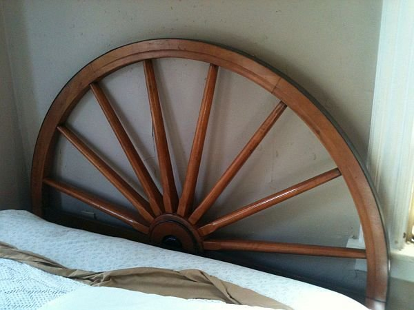 Best Wagon Wheel Bed The Wagon With Pictures