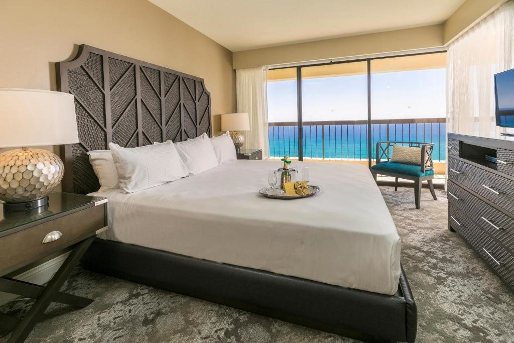 Best The Residences At Waikiki Beach Tower Accommodation With Pictures