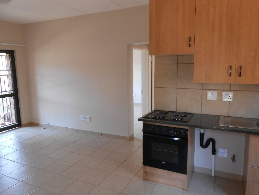 Best 2 Bedroom Apartment For Rent In Well Established Area Near Southgate Mall Benoni South Africa With Pictures