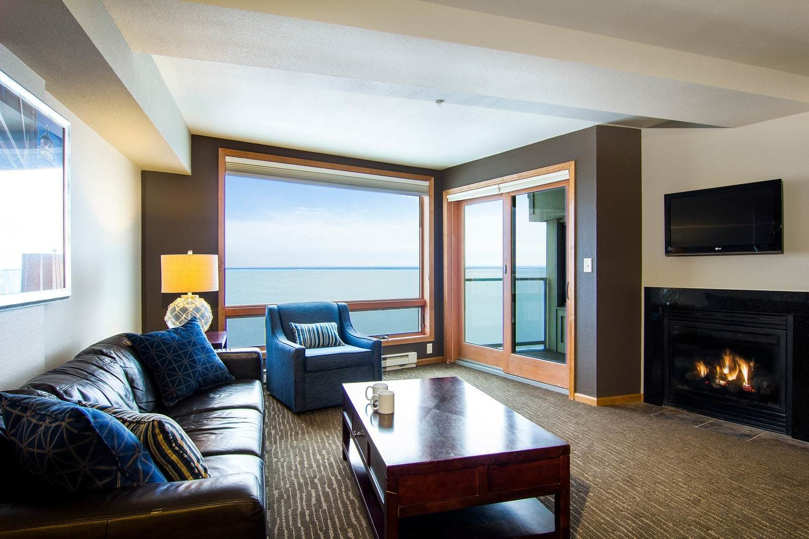 Best 2 Bedroom Condo Beacon Pointe Duluth Lakeview Hotel On With Pictures