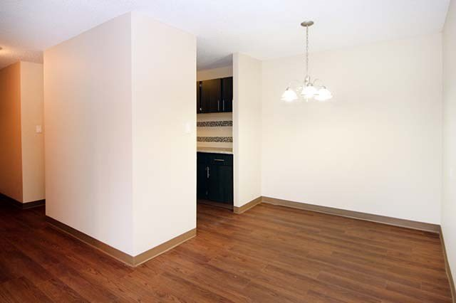 Best 2 Bedroom Apartments For Rent Calgary At Pentland Place With Pictures