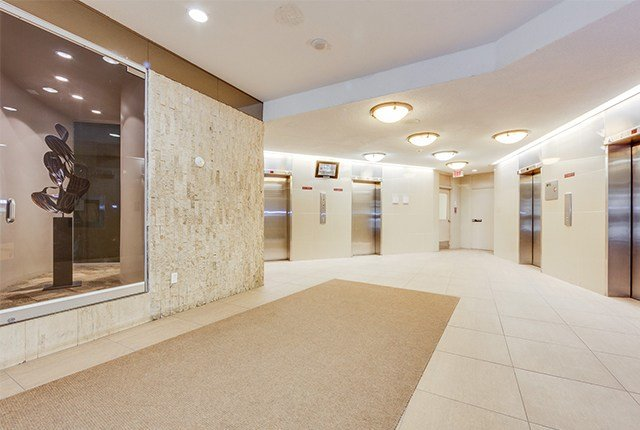 Best 1 Bedroom Apartments For Rent North York At Murray Ross With Pictures