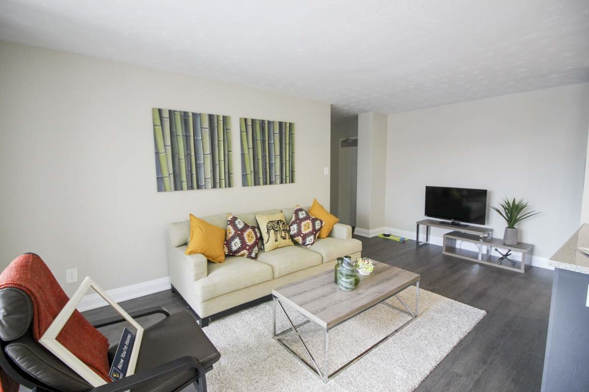 Best 2 Bedroom Apartments For Rent Hamilton At Halstead Gardens Renterspages Com With Pictures Original 1024 x 768