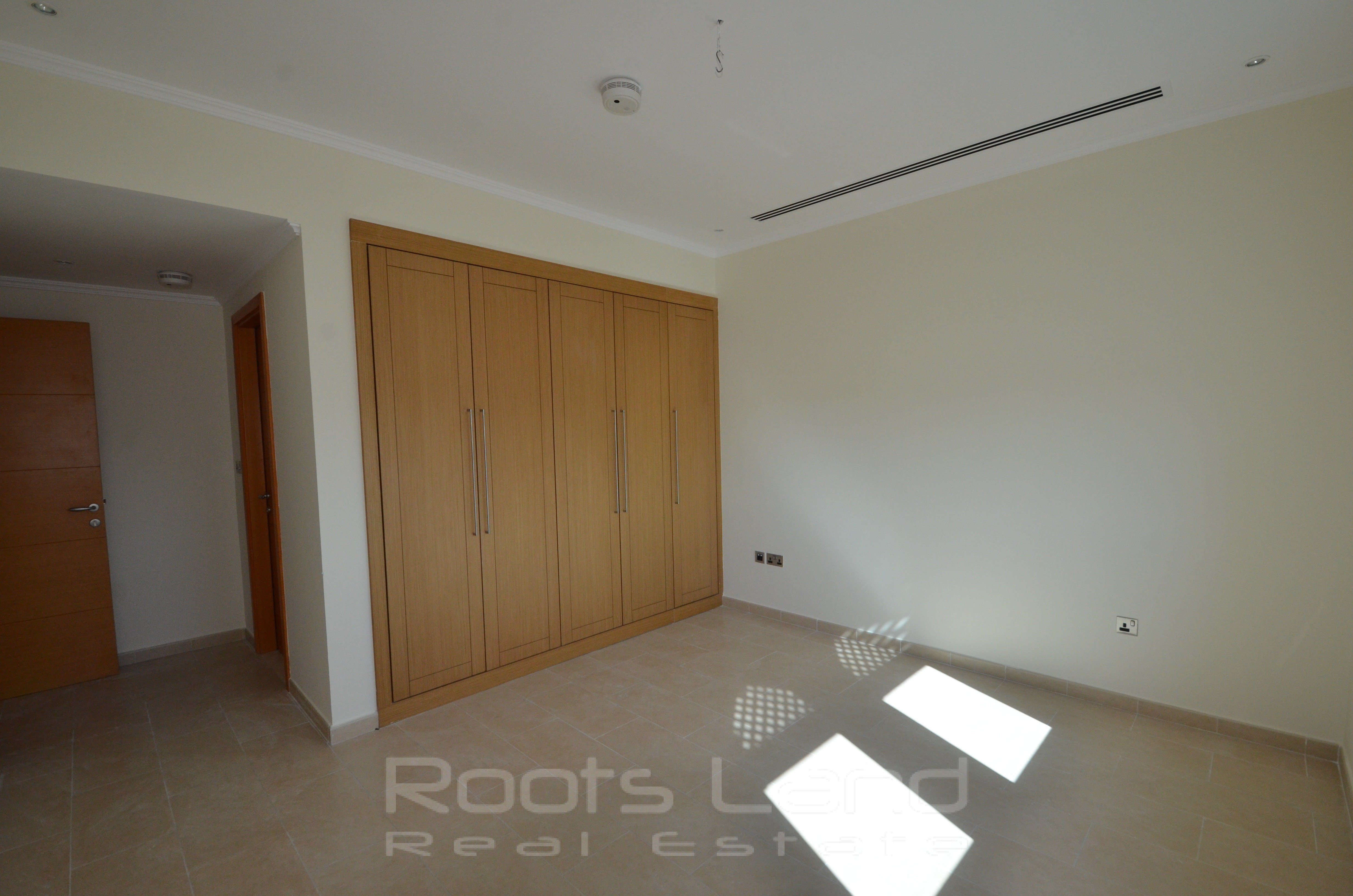 Best 3 Bedrooms Villa House For Rent In Dubai Jumeirah Park With Pictures