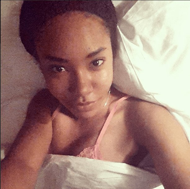 Best Mbgn Anna Banner Shares Makeup Free Bedroom Selfie 36Ng With Pictures