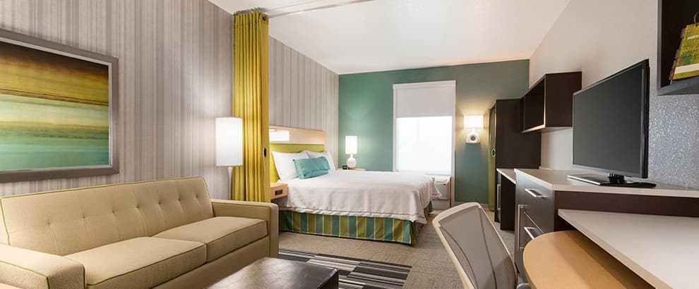 Best Two Bedroom Suites New Orleans 2018 Home Comforts With Pictures