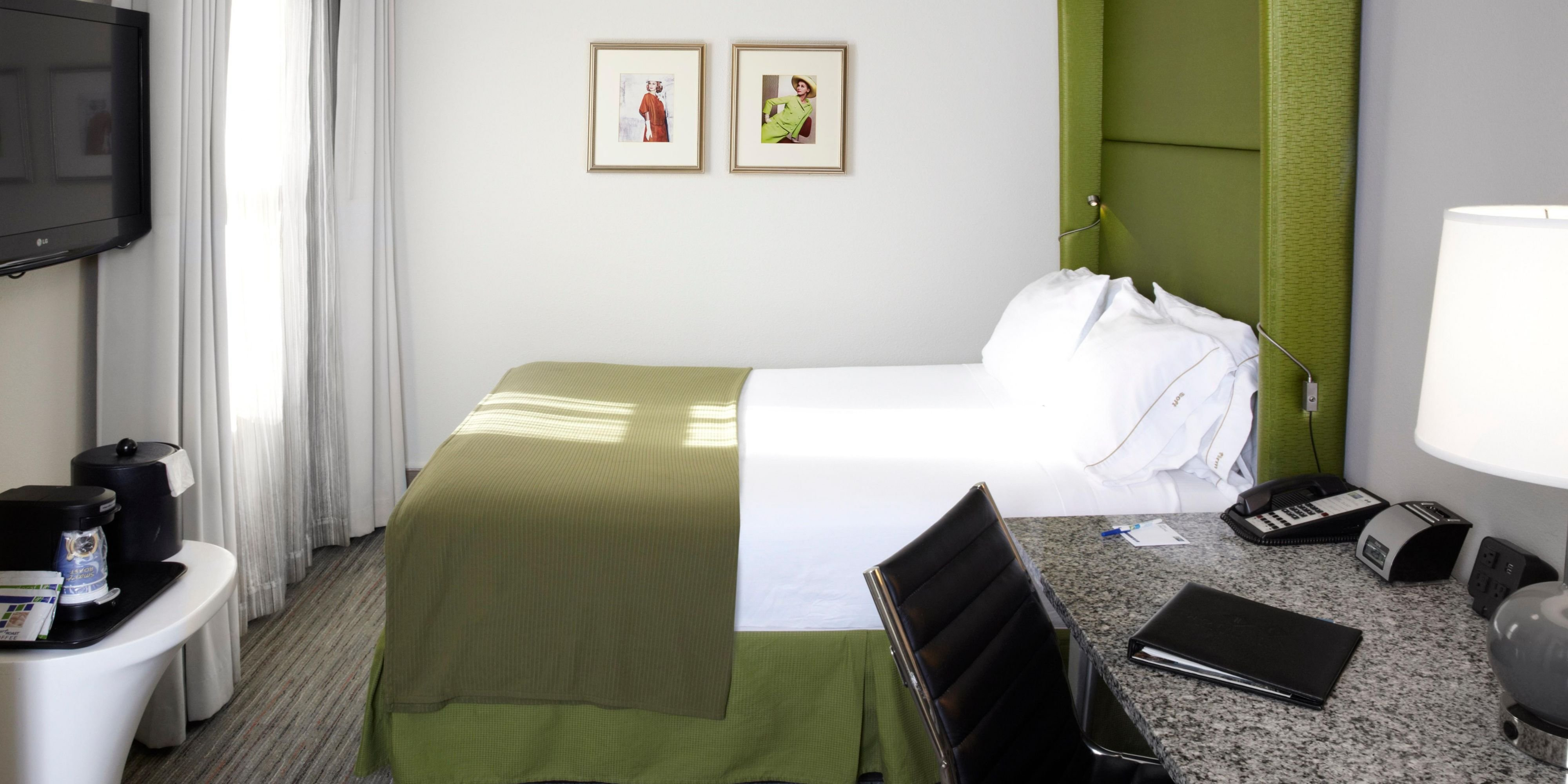 Best 3 Bedroom Hotel Room In Chicago Www Resnooze Com With Pictures