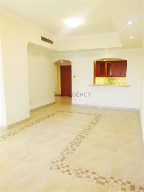Best For Rent Roomy 1 Bedroom Apartment In The Pearl Doha 1 Br With Pictures