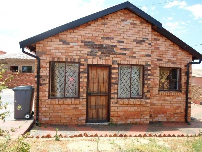 Best 2 Bedroom House To Rent In Pretoria Central 21 Bayberry With Pictures
