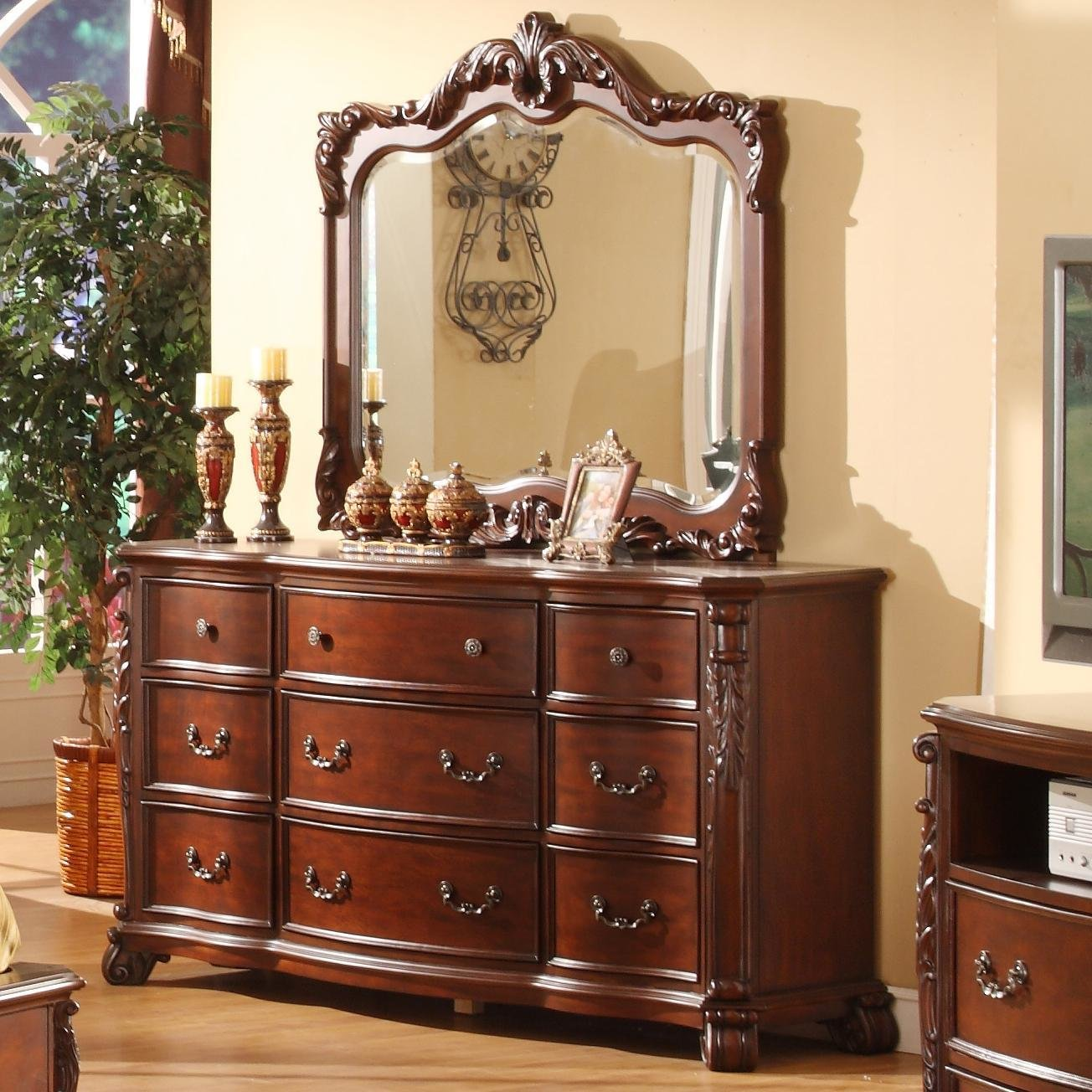 Best Lifestyle Frenchy Traditional 9 Drawer Dresser And Mirror With Acanthus Leaf Detailing Royal With Pictures