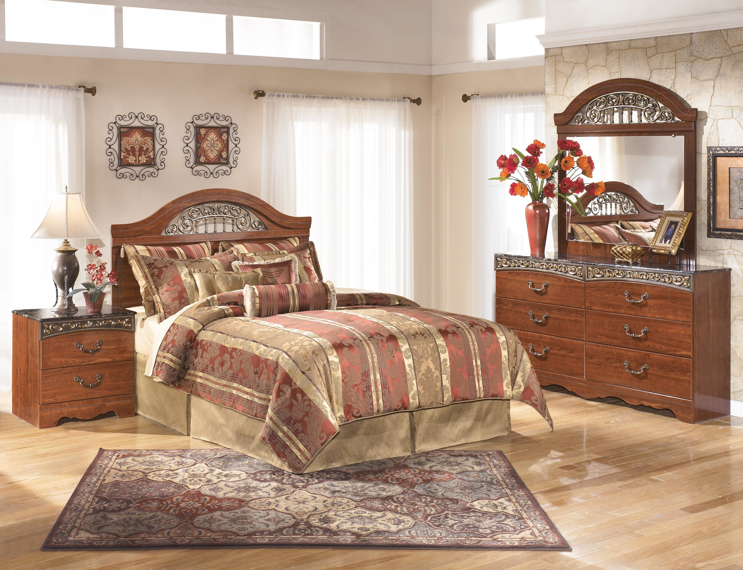 Best Signature Design By Ashley Fairbrooks Estate Queen Bedroom With Pictures
