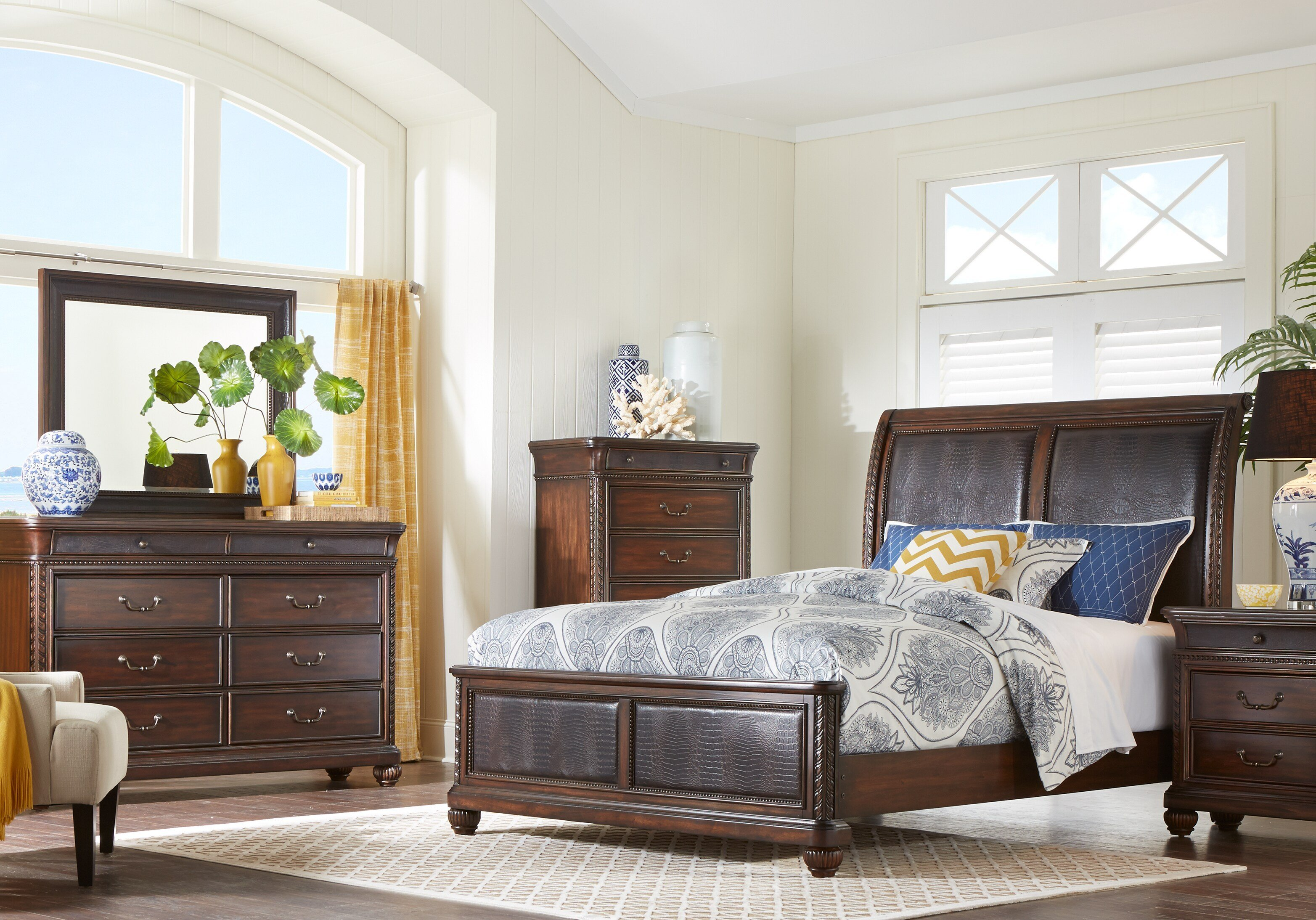 Best Cindy Crawford Home Trinidad Walnut 5 Pc Queen Sleigh With Pictures