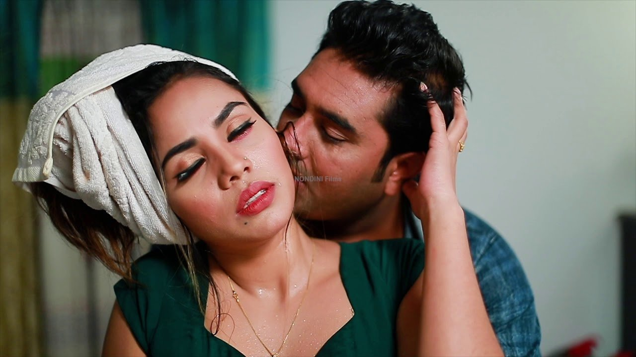 Best Hot Bedroom Romance Bollywood Movie Sequence 01 Youtube With Pictures