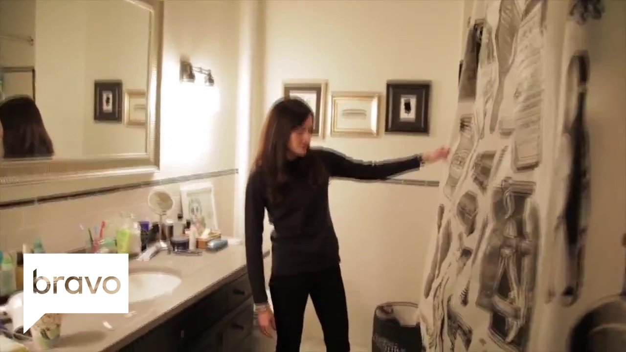 Best Odd Mom Out Behind The Scenes Bedroom Tour New Series Premieres June 8 Bravo Youtube With Pictures