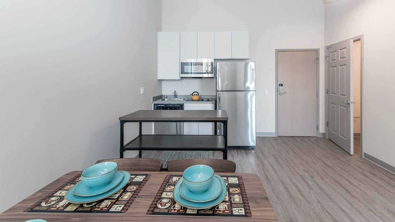 Best A Bright Junior 1 Bedroom Model At The South Loop S New With Pictures