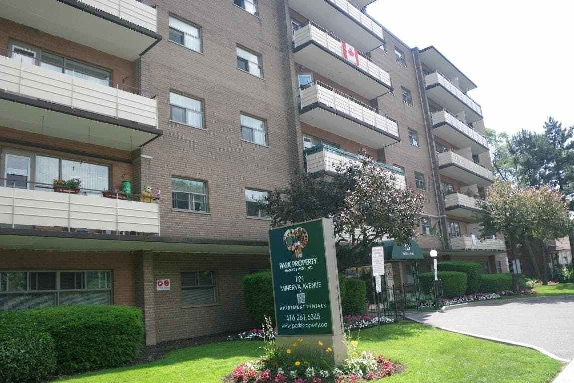 Best 121 131 Minerva Avenue 3744 St Clair Ave E Apartments For Rent 121 Minerva Ave Toronto With Pictures