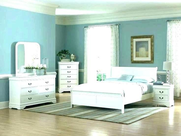 Best Rearranging A Square Bedroom Www Indiepedia Org With Pictures