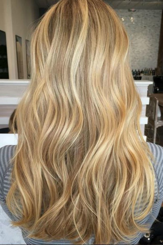 Free 36 Blonde Balayage Hair Color Ideas With Caramel Honey Wallpaper