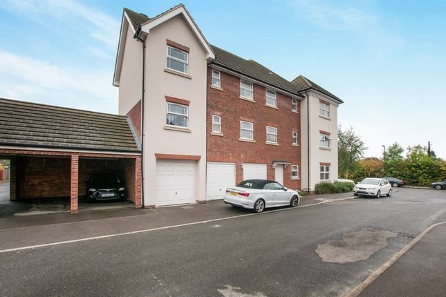Best Eagle Road Cippenham Slough Sl1 2 Bedroom Flat For Sale With Pictures