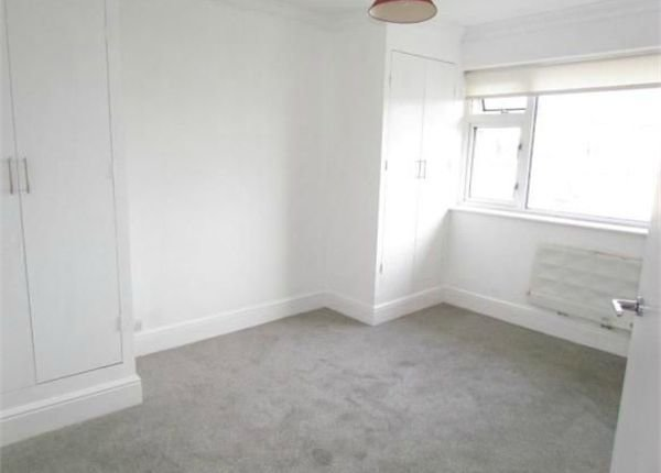 Best 2 Bedroom Flat To Rent 27229449 Primelocation With Pictures
