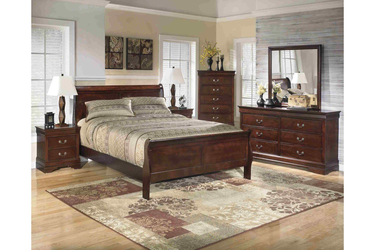 Best Bedroom Sets Alisdair Queen Bedroom Set Newlotsfurniture With Pictures