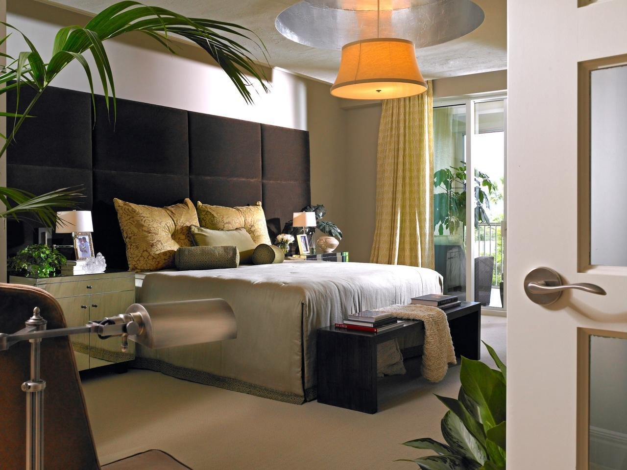 Best Modern Bedroom Lighting Hgtv With Pictures