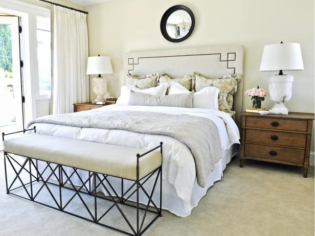Best Small Master Bedroom Design Ideas Making A Small Bedroom With Pictures