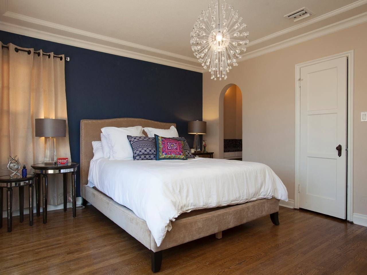 Best Blue Accent Wall In Contemporary Neutral Bedroom Hgtv With Pictures