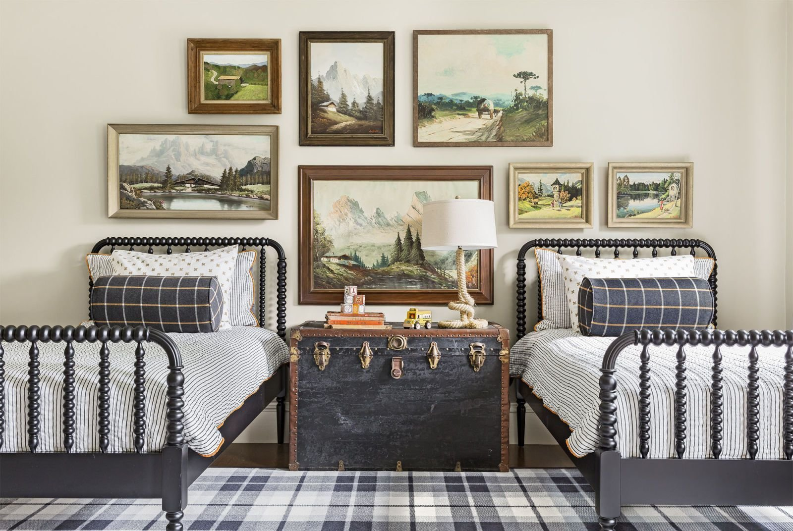 Best 12 Easy Ways To Keep Your Bedroom Organized With Pictures