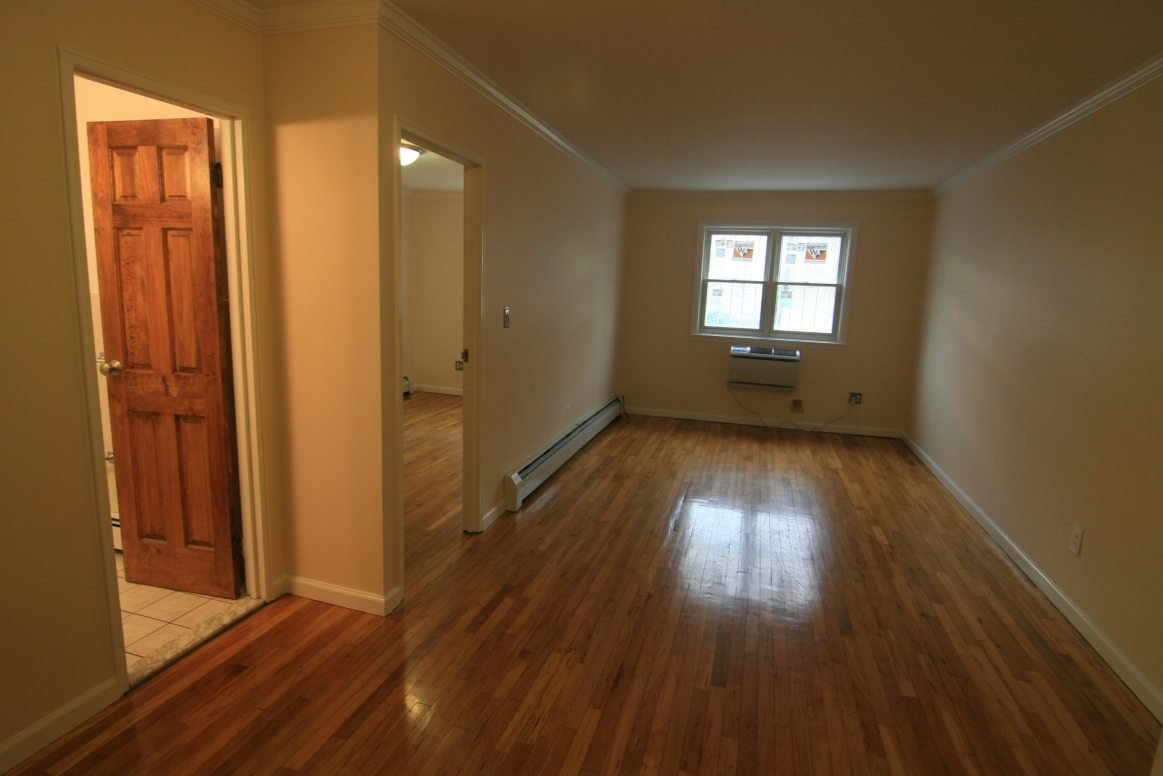 Best Perfect One Bedroom Ditmars Apartment With All Utilities With Pictures Original 1024 x 768