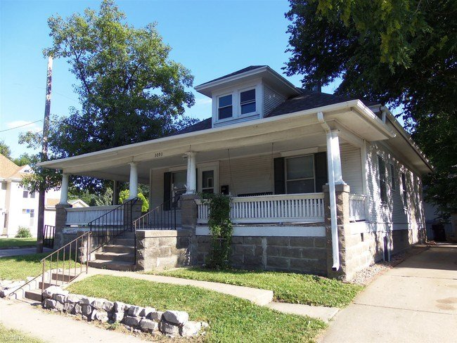 Best 4 Br 2 Bath House 3093 Vine St House For Rent In With Pictures