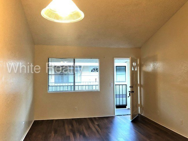 Best 2 Bedroom 2 Bath Apartment With Parking Apartment For Rent In Long Beach Ca Apartments Com With Pictures