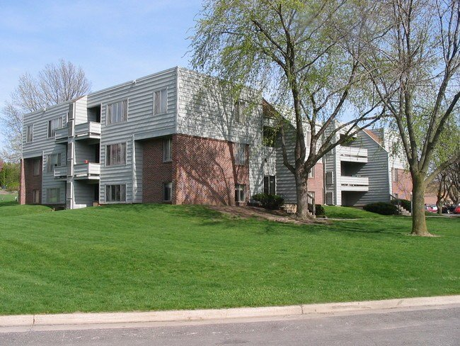Best Cheap 2 Bedroom Apartments In Ames Iowa Student Apartments For Rent In Iowa Stadium View With Pictures