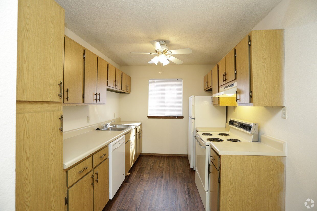 Best River Walk Apartments Apartments Wichita Ks With Pictures