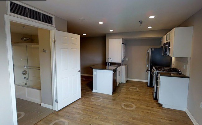 Best Avalon Santa Monica On Main Apartments Santa Monica Ca Apartments Com With Pictures