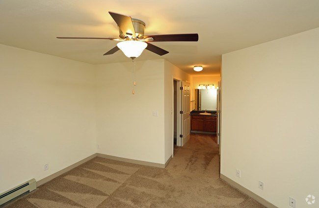 Best Mountain Village Apartments Apartments Waukesha Wi With Pictures