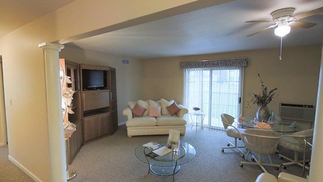 Best Breckenridge Apartment Homes Apartments Rockford Il With Pictures