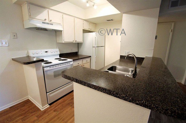 Best 2 Bedroom In Austin Tx 78759 Apartment For Rent In With Pictures