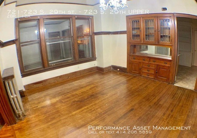 Best 2 Bedroom In Milwaukee Wi 53215 Apartment For Rent In With Pictures